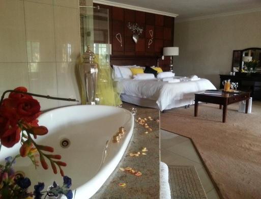 Prinshof Manor - bedroom