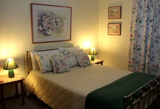 Swartberg Street Guest House - bedroom