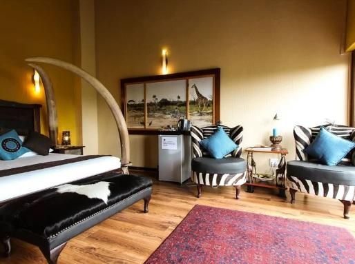 Phumelelo Lodge - bedroom