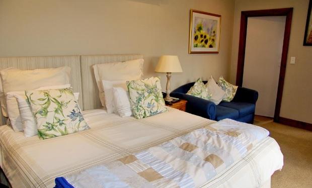 Summerhille Guest Farm - bedroom