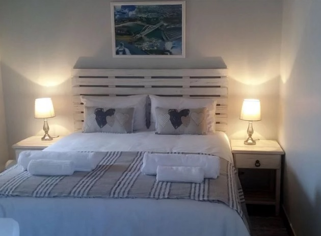 The Loft on Lambert - bedroom